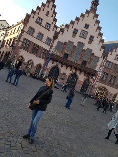 Frankfurt Frankfurt, Times Square, Louvre, Street View, Travel, Viajes, Traveling, Tourism, Louvre Doors