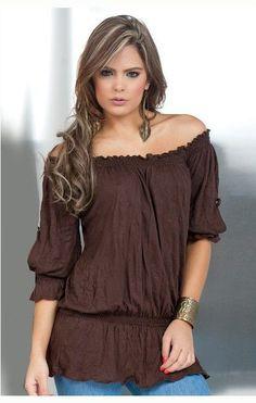 Meninas!!!!!!!    Confesso que não amo as blusas ciganas a ponto de ter alguma em meu guarda roupas mais depois de ver esse ves...