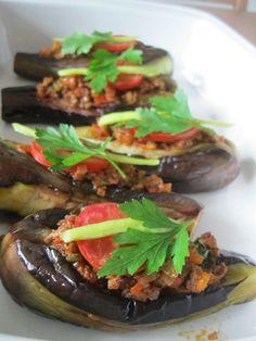 Top 10 Turkish Food to Satiate Your Taste Buds: Karniyarik. http://foodmenuideas.blogspot.com/2013/11/top-10-turkish-food-to-satiate-your.html