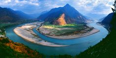 China / First Bend of Yangtze River via Cruise Experts Travel