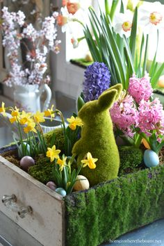 Repurposed drawer upcycled as a planter for spring with bulbs, eggs, moss and bunny! | homeiswheretheboatis.net #pottingshed #Easter