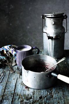 Pratos e Travessas: Gelado de iogurte e bagas azuis | Yogurt and berries ice cream | Food, photography and stories