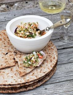 Crayfish Salad Recipe via Sweet Paul Magazine -- Herring roe is a nice touch. Crayfish Salad, Gourmet Recipes, Healthy Recipes, Sweet Paul, Swedish Recipes, Crab Cakes, Nutritious Meals, Soup And Salad, Summer Recipes