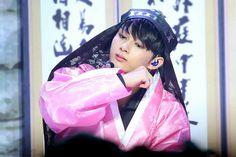준 Jun 文俊辉 문준휘 Woozi, Wonwoo, Jeonghan, Wen Junhui, Crop Photo, Seventeen Debut, Pledis 17, Pledis Entertainment, Seungkwan