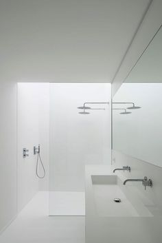 bathroom laundry Awesome, Sleek Bathroom Remodeling Ideas You Need Now Fantastische Badezimmer gestalten Spiegelideen gerade an um Contemporary Bathrooms, Modern Bathroom Design, Bathroom Interior Design, Minimalist Bathroom Design, Bath Design, Modern Design, Minimal Bathroom, Small Bathroom, Bathroom Ideas