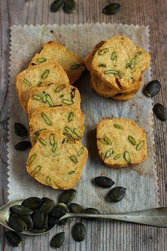 MIEL & CHEESE: Sablés paprika and pumpkin seeds
