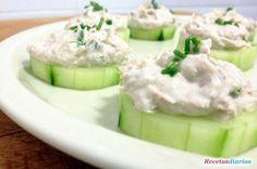 Cómo hacer Canapés de pepino. Receta de lo más apetecible, unos aperitivos sencillos y muy ricos para tus invitados de saludable pepino.