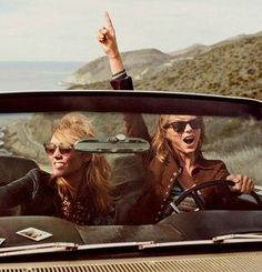 Taylor Swift and Karlie kloss for Vogue US March 2015