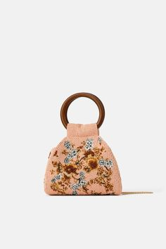 Online Designer Bag Shopping: Buy Smarter, Faster And Cheaper – Yo Bag Wooden Handle Bag, Wooden Purse, Wooden Handles, Minimalist Bag, Online Zara, Purse Handles, Diy Purse, Embroidered Bag, Beaded Bags