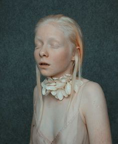 Annamária Mikulik. Necklace: nature - fake illusions, 2015. Silver, plastic. 23 x 10 x 23 cm.