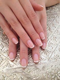 Fransk manikyr - kortare naglar