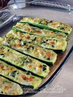 Baked au gratin mozzarella courgettes, excellent both hot and cold. Vegetable Side Dishes, Vegetable Recipes, Vegetarian Recipes, Healthy Recipes, I Love Food, Good Food, Yummy Food, Antipasto, Wine Recipes