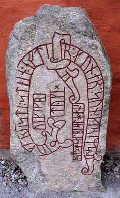 """Växjö, Sweden. Vikings sten, med texten """"Tyke - Tyke Viking - reste stenen efter Gunnar, Grims son. Gud hjälpe hans själ."""""""