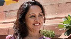 Youngsters more interested in Bollywood style dancing: Hema Malini http://eyecatchyinfo.com/youngsters-more-interested-in-bollywood-style-dancing-hema-malini #Hemamalini   #Movie   #Bollywood   #Movies2015   #Gorgeous   #Style   #Fashion