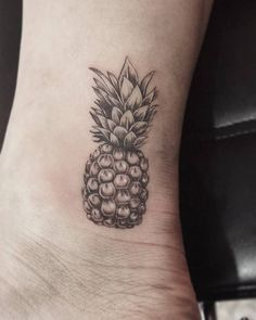 "157 Likes, 35 Comments - Mackenzie Evanjeline (@indigo_evolution) on Instagram: ""My last tattoo before I go away for the weekend; this cute pineapple :) #pineapple #pineappletattoo…"""