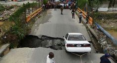 Lluvias de Huracán Matthew hacen colapsar puente de Los Guaricanos