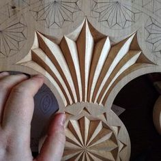 #chipcarving #woodwork #woodworking #woodcarving #woodcarver #differencemakesus #резьбаподереву #геометрическаярезьба