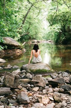 Fun Senior Year Picture Ideas Describing the Adventurous Wait I want to take pictures somewhere like thisI want to take pictures somewhere like this Grad Pics, Graduation Pictures, Senior Photography, Portrait Photography, Woods Photography, Senior Year Pictures, Senior Pics, Senior Pictures Water, Natural Senior Pictures