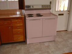 Original pink stove in 1954 house. Still works I had a pink stove and counter top and tile floor in my 1958 ranch house. Kept my white refrigerator until it died and by that time the popular color was dark brown, pink was out. So I got a brown one. That was ok because my bathroom was pink and brown.