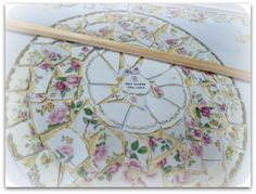 miss flibbertigibbet: China Mosaic Dresser - Tutorial Mosaic Tray, Mosaic Tile Art, Mosaic Crafts, Mosaic Projects, Mosaic Glass, Mosaics, Tile Crafts, Stained Glass, Glass Art