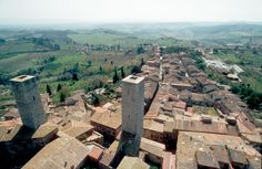 14 of the original 11th to 13th century towers still stand in San Gimignano, Tuscany, Italy. Find out more at http://www.covingtontravel.com/2016/03/bucket-list-worthy-unesco-world-heritage-sites/?utm_source=pinterest&utm_medium=share&utm_campaign=blog
