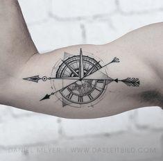 Circle Tattoos, Mini Tattoos, Body Art Tattoos, New Tattoos, Small Tattoos, Compass Tattoos Arm, Compass Tattoo Design, Arrow Tattoos, Knot Tattoo