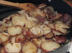 German Fried Potatoes from Food.com: My Grandmother got this recipe when she and my mom lived in Germany. This is my all time favorite way to fix potatoes.