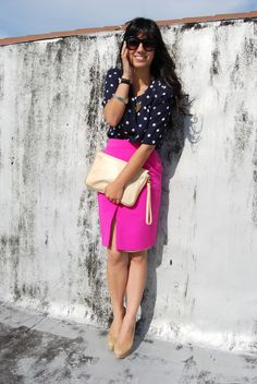 magenta skirt with navy polka dots Pink Skirt Outfits, Hot Pink Skirt, Modest Outfits, Spring Outfits, Spring Summer Fashion, Cute Outfits, Work Fashion, Modest Fashion, Fashion Outfits