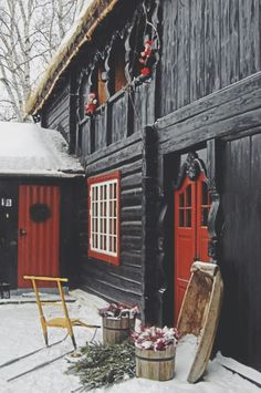 I love these pops of red! - A Scandinavian holiday