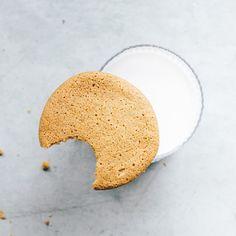 Sesame Cookies, Peanut Cookies, Vegan Peanut Butter Cookies, Homemade Peanut Butter, Healthy Biscuits, Raw Almonds, Gluten Free Oats, Biscuit Recipe, Tray Bakes