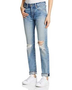 Designed by the denim legends at Levi's, these slouchy skinnies meet your…