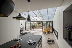 En tant qu'architectes d'intérieur à Paris, nous rénovons votre appartement de la conception à la rénovation. Voir nos réalisations.