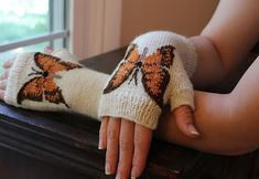 Ravelry: Orange Butterfly Fingerless Gloves pattern by Kimberly Porter MK Fingerless Gloves Knitted, Crochet Gloves, Knit Mittens, Knit Or Crochet, Wrist Warmers, Hand Warmers, Knitting Projects, Knitting Patterns, Orange Butterfly