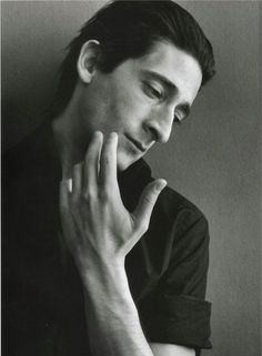 Adrian Brody - He is not handsome but he is mysteriously attractive. He makes you want to go to the end of the world with him. | BOY | Pinterest Max Vandenburg, Adrien Brody, Beautiful Hands, Beautiful Boys, Beautiful People, Gorgeous Men, Pretty People, Big Crush, Unique Faces