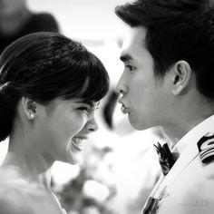 Dawin & Naree wedding bts... cutesy! NADECH♥YAYA Thai Drama, Sweet Couple, Celebs, Celebrities, The Crown, Strike A Pose, Celebrity Couples, Woman Crush, Bearded Men