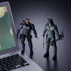 Arrow/Flash TV Action Figures   ThinkGeek