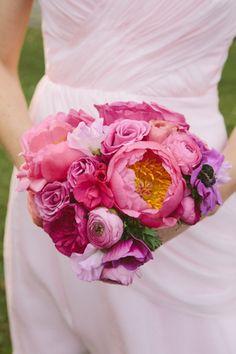 Amazing bridesmaids bouqet! #pinkbridesmaidsbouquet #peonies #rannunculus