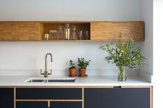 Le plus récent Photos glass armoire living room Idées Plywood Desk, Plywood Kitchen, Oak Plywood, Plywood Furniture, Diy Furniture, Plywood Art, Plywood Walls, Kitchen Furniture, Furniture Design