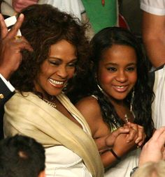 Whitney Houston and Her Daughter Bobbi Kris Whitney Houston, Beverly Hills, Bobbi Kristina Brown, I Look To You, Celebrity Moms, Norma Jeane, Female Singers, Celebs, Celebrities