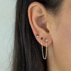 Ear Piercing Studs, Pretty Ear Piercings, Ear Piercings Cartilage, Helix Jewelry, Ear Jewelry, Cute Jewelry, Jewellery, Diy Earrings Easy, Funky Earrings