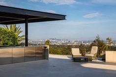 Jaw-dropping dream home overlooking the Los Angeles skyline Dream Home Gym, Dream Home Design, House Design, Bel Air Road, Dream Master Bedroom, Los Angeles Skyline, Beverly Hills Houses, Fire Pit Seating, Water Walls