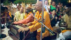 Dandavats   World Holy Name Week in Mayapur