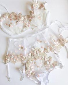 Women Lingerie Best Underwear For Running Silk Boxer Shorts – grangs Lingerie Mignonne, Jolie Lingerie, Lingerie Outfits, Satin Lingerie, Pretty Lingerie, Wedding Lingerie, Beautiful Lingerie, Lingerie Sleepwear, Women Lingerie