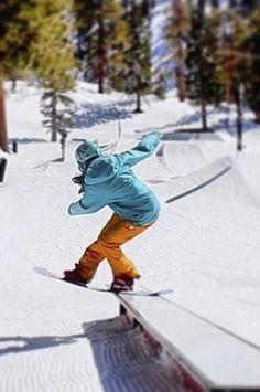 Snowboarding girl iPhone Wallpaper