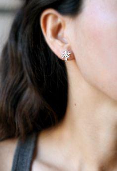 Snowflake Stud Earring