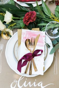 #place-settings, #gold, #place-cards, #flatware  Photography: Kathryn McCrary - www.kathrynmccrary.com  Read More: http://www.stylemepretty.com/2014/11/28/autumn-al-fresco-bridal-shower/
