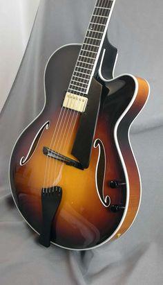 Benedetto Bravo Deluxe Electric Guitar