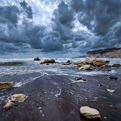 Resultado de imagem para ocean storm waves