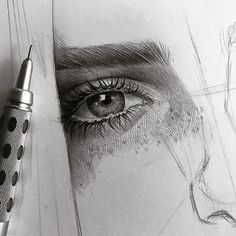 Drawing Pencil Portraits - by Malo Art Discover The Secrets Of Drawing Realistic Pencil Portraits Eye Pencil Drawing, Pencil Portrait Drawing, Realistic Eye Drawing, Pencil Drawing Tutorials, Portrait Sketches, Pencil Art, Drawing Sketches, Art Drawings, Color Pencil Drawings