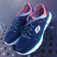 Skechers Relaxed Fit (memory foam gel infused) Good condition Skechers Shoes Athletic Shoes